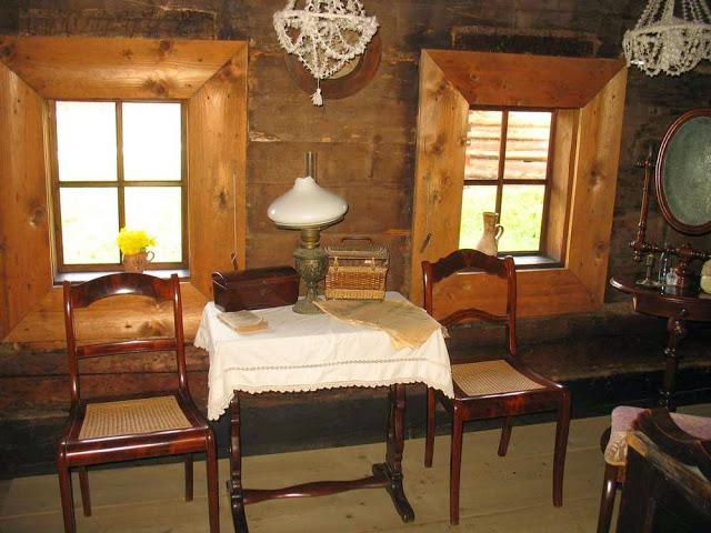Wnętrze chaty - Skansen w Zubrzycy